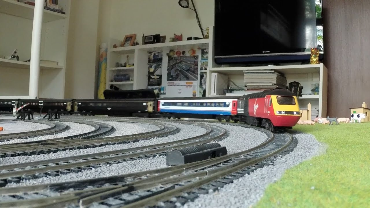 Hornby Virgin Trains Class 43 HST REVISITED (HD) - YouTube