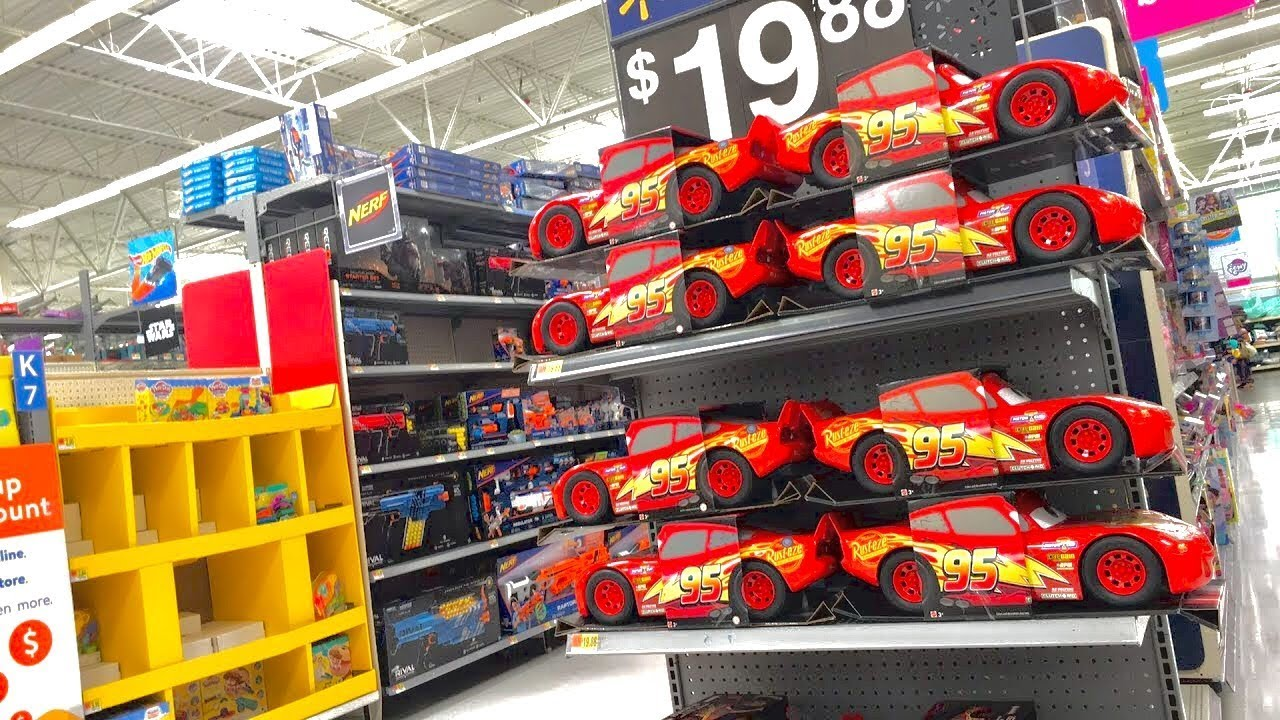 Cars 3 toys hunting super walmart live toy hunt for new disney cars 3 toys youtube - Maisonnette toys r us ...