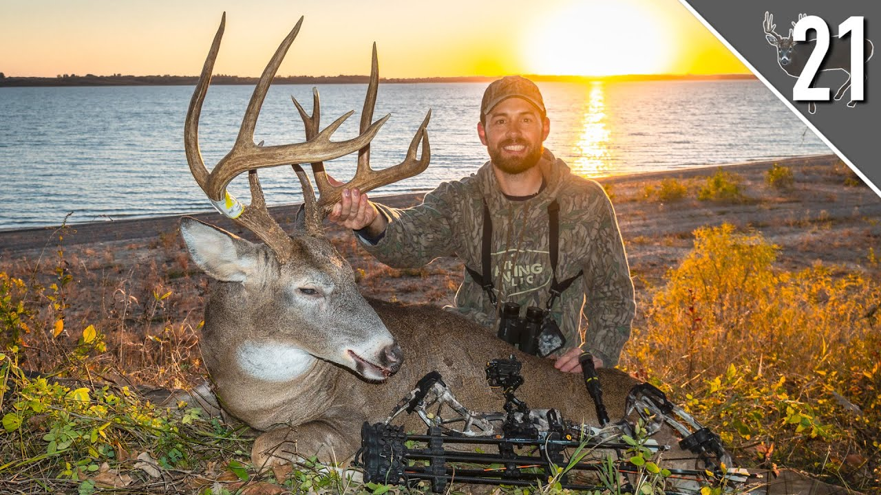 BUMP AND DUMP on a GIANT PUBLIC LAND BUCK!!!  (Crazy Footage)