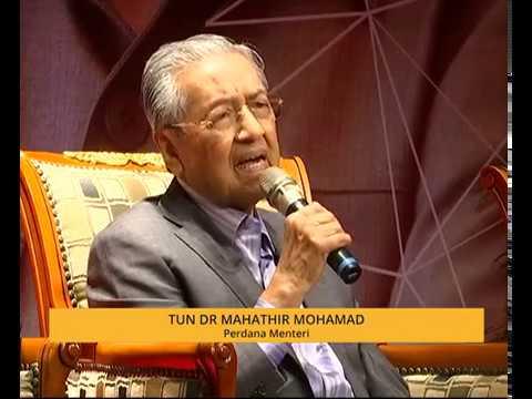 Jadi jentera politik: PTD perlu dipulihkan semula - Tun M