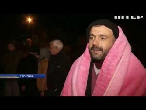 Подробности: Землетрус у Туреччині: рятувальники знаходять під уламками живих людей