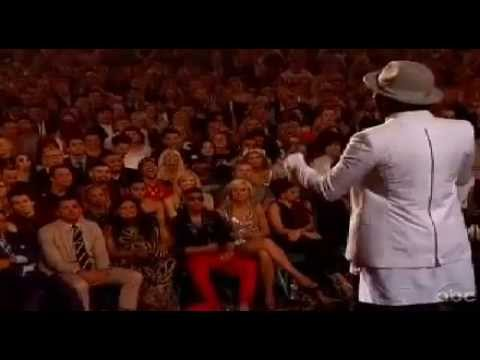 MADONNA 2013 Billboard Music Award for Top Touring Artist WILL I Am_introduces