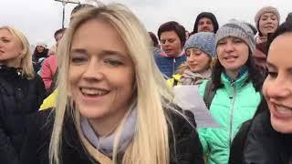 Запорожцы спели на недостроенных мостах песню Вакарчука