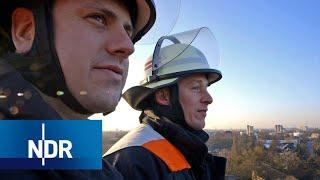 Feuerwehr: Alltag im Rettungswagen und auf dem Löschzug | 7 Tage | NDR