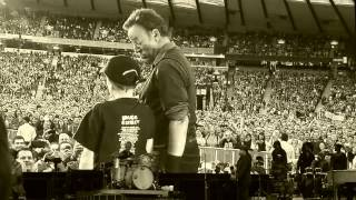 BRUCE SPRINGSTEEN - WAITING ON A SUNNY DAY- AWESOME FOOTAGE! - HAMPDEN PARK - GLASGOW JUNE 18TH 2013