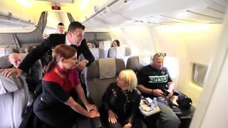 Glee's Lauren Potter given Aussie welcome on Qantas flight