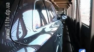 Автівка подорожує разом із власником на поїзді
