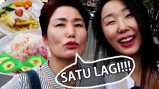 Mama dari Korea Tergila-Gila dengan Es Pisang Ijo!!