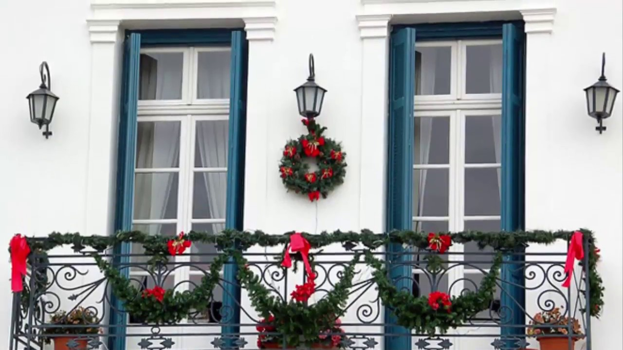 ideas to Decorating the balcony for Christmas - YouTube