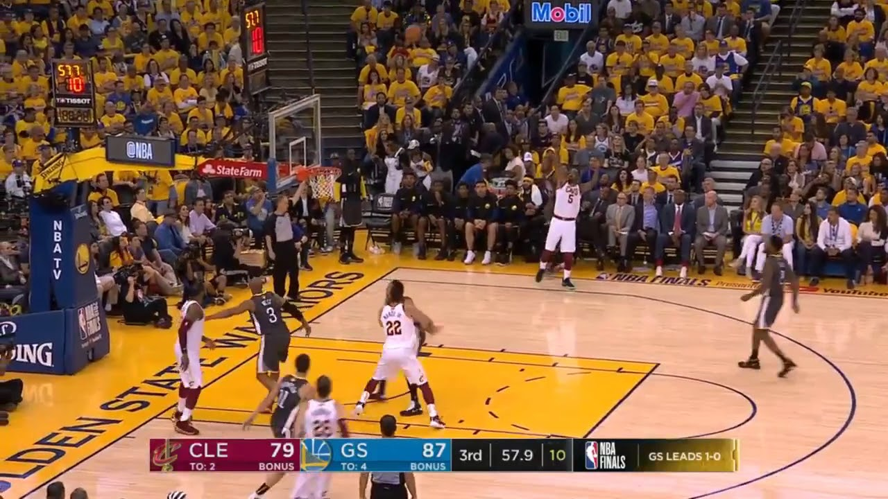 c8339e13eb43 LeBron behind the back pass while falling out of bounds - YouTube