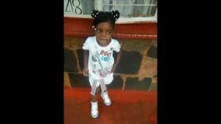 Nox Guni - 5 year old Rihanna singing NDINONYARA