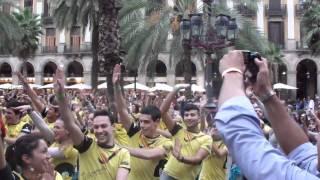 Flash Mob in Plaiza Reial SamCruise 2011