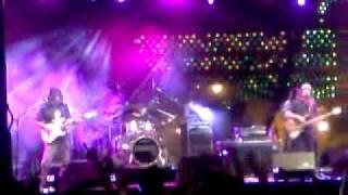 Enanitos Verdes - Amores Lejanos [Rockoahuila 2011]