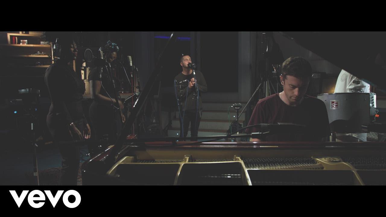 gorgon-city-smile-acoustic-ft-elderbrook-gorgoncityvevo