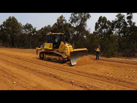 First-time Operator Grades Within 10mm Tolerance With Trimble Earthworks