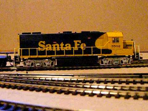 HO Bachmann Santa Fe GP40 and Broadway AC6000CW Union Pacific DCC Sound