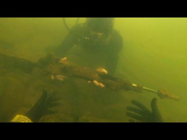 found-assault-rifle-underwater-in-river-while-scuba-diving-police-called