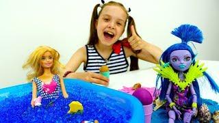 #Барби и Джейн: ПЛЯЖНАЯ ВЕЧЕРИНКА С МОРОЖЕНЫМ!🍦 #Одевалки кукол #ИгрыДляДевочек Пластилин PlayDoh