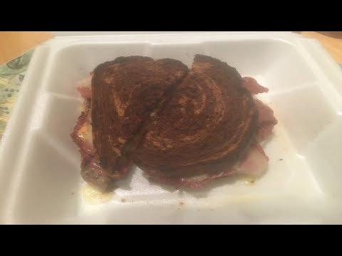 アメリカの食べ物ルーベンサンドイッチ!