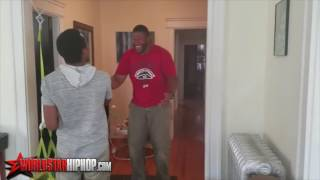 Emotional Moment: Dude Reunites With His Mom After Not Seeing Her For 10 Years! | New Vide