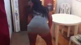 Dançando Funk Sem Calcinha,você vai babar
