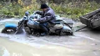 Мотоцикл М 67 Урал с полным приводом проезжает лужу по пояс глубиной(, 2013-07-12T17:45:39.000Z)