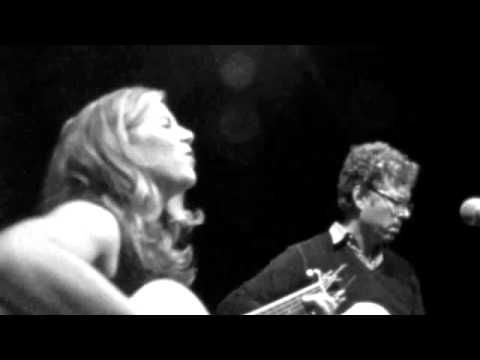 """Dar Williams with Gary Louris - """"As Cool As I Am"""" (PopMatters Premiere)"""