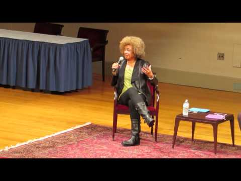 ANGELA DAVIS AT SMITH COLLEGE