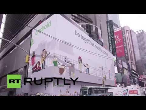 USA: Google tests interactive games on USA's largest digital billboard