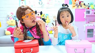 Maquilhagem vs chocolate contra brinquedo com Boram ♥ Stories for kids about sweets & candies
