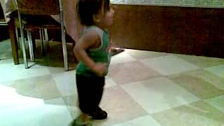 Funny video of baby dancing on Hindi song