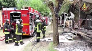 Incendio al villaggio turistico Pra' delle Torri a Caorle