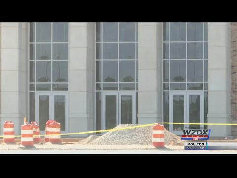 New Athens High School won't open until November