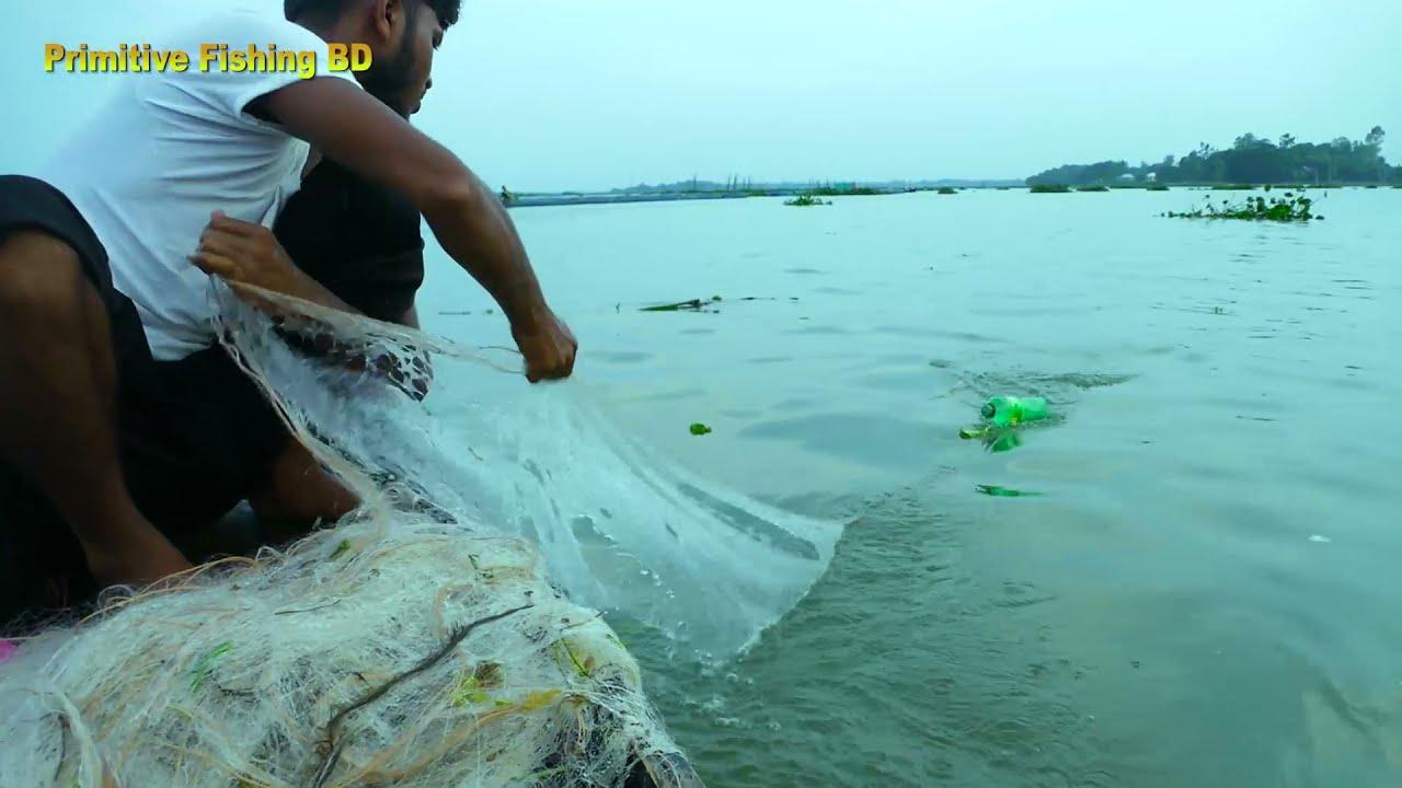 Primitive Technique Net Fishing From River। Unique Fish Catching By Net