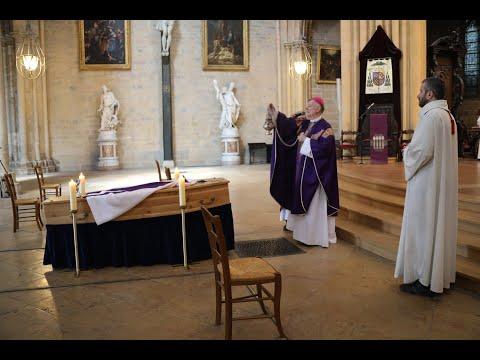 Messe d'obsèques du père Charles Trapet