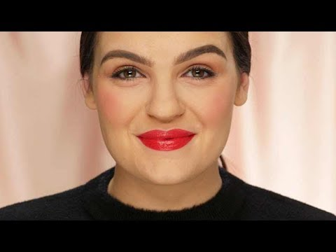 How to Conceal Dark Undereye Circles With Red Lipstick