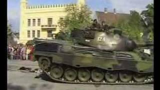 Leopard tank Brage 124 crushing cars Oslo Norway