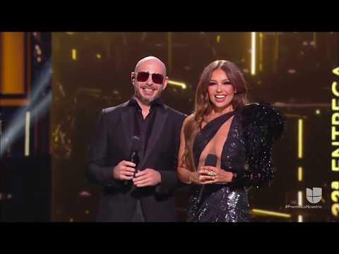 Thalia The Legend Y Pitbull Dan La Bienvenida A Premio Lo Nuestro