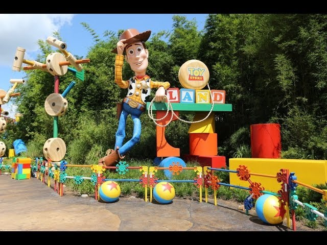 Toy Story Land 2019 4K Tour and Overview - Disney's Hollywood Studios | Walt Disney World