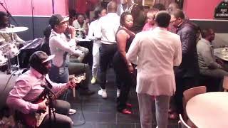 Vivi Koum das un spécial Makossa en LIVE à l