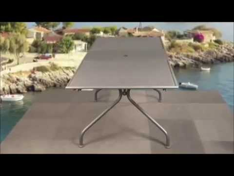 Présentation table de jardin EMU Piano - YouTube