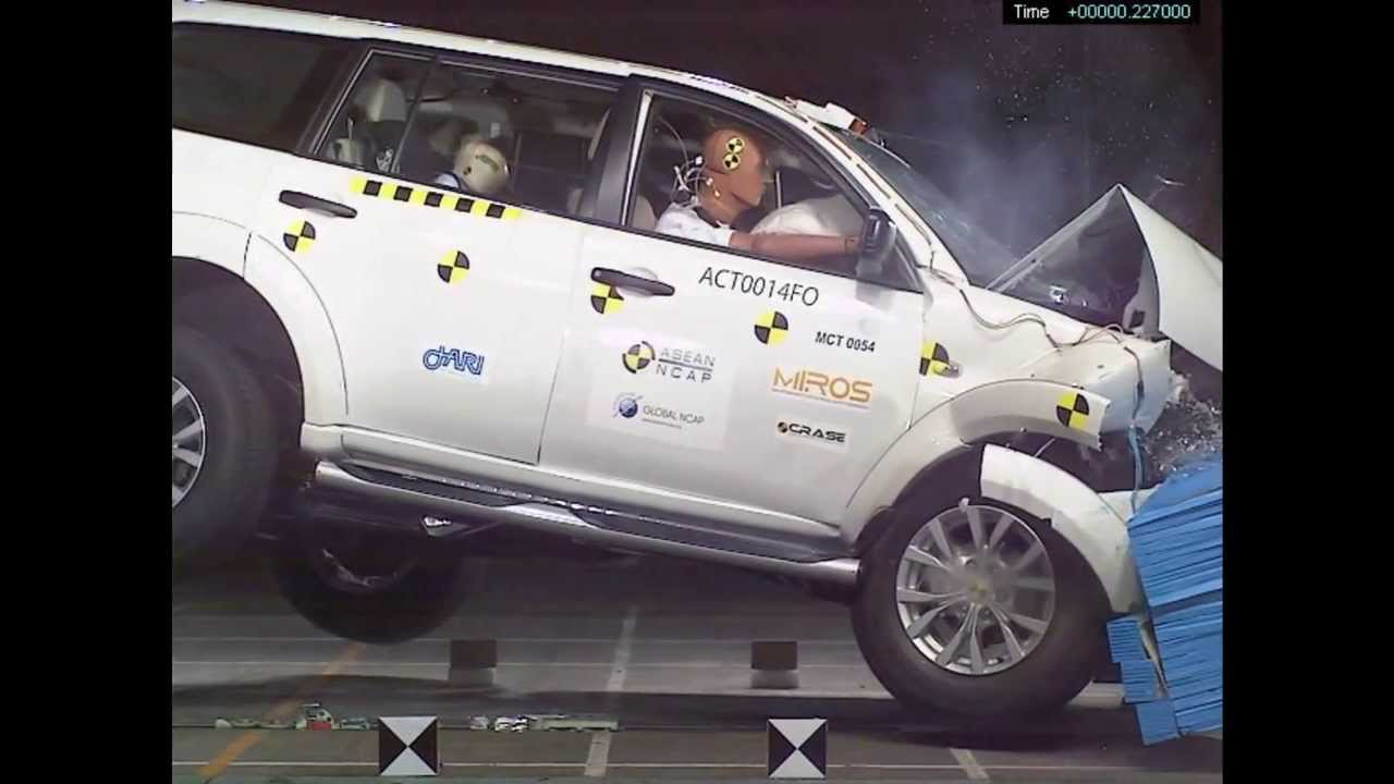 asean ncap mitsubishi pajero sport 4 stars in frontal offset crash test youtube. Black Bedroom Furniture Sets. Home Design Ideas