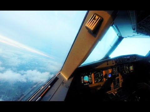 Beautiful Timelapse Departure from Vienna - A321 Cockpit View!