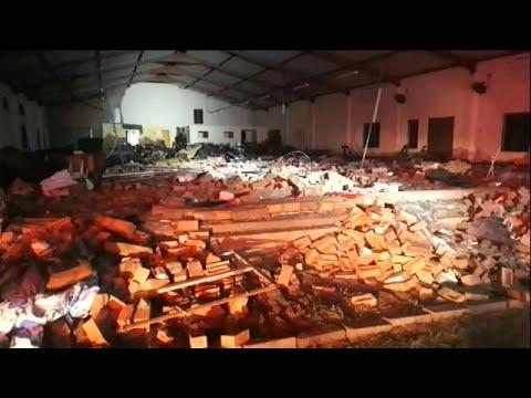 وفاة 13 إثر سقوط جدار داخل كنيسة بجنوب إفريقيا  - نشر قبل 30 دقيقة