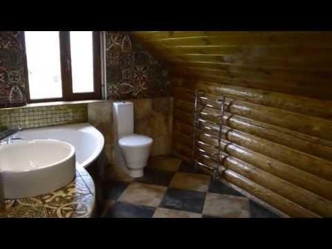 Дом со сруба сосна. Ванная комната в доме со сруба. 4253. Интерьер ванной комнаты.