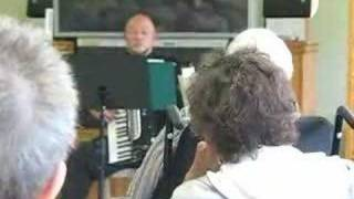 Accordion Maestro plays One of those songs