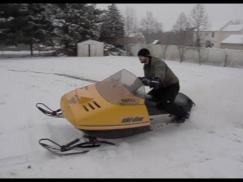 Old School Snowmobile Fun 1987 Skidoo Safari 377
