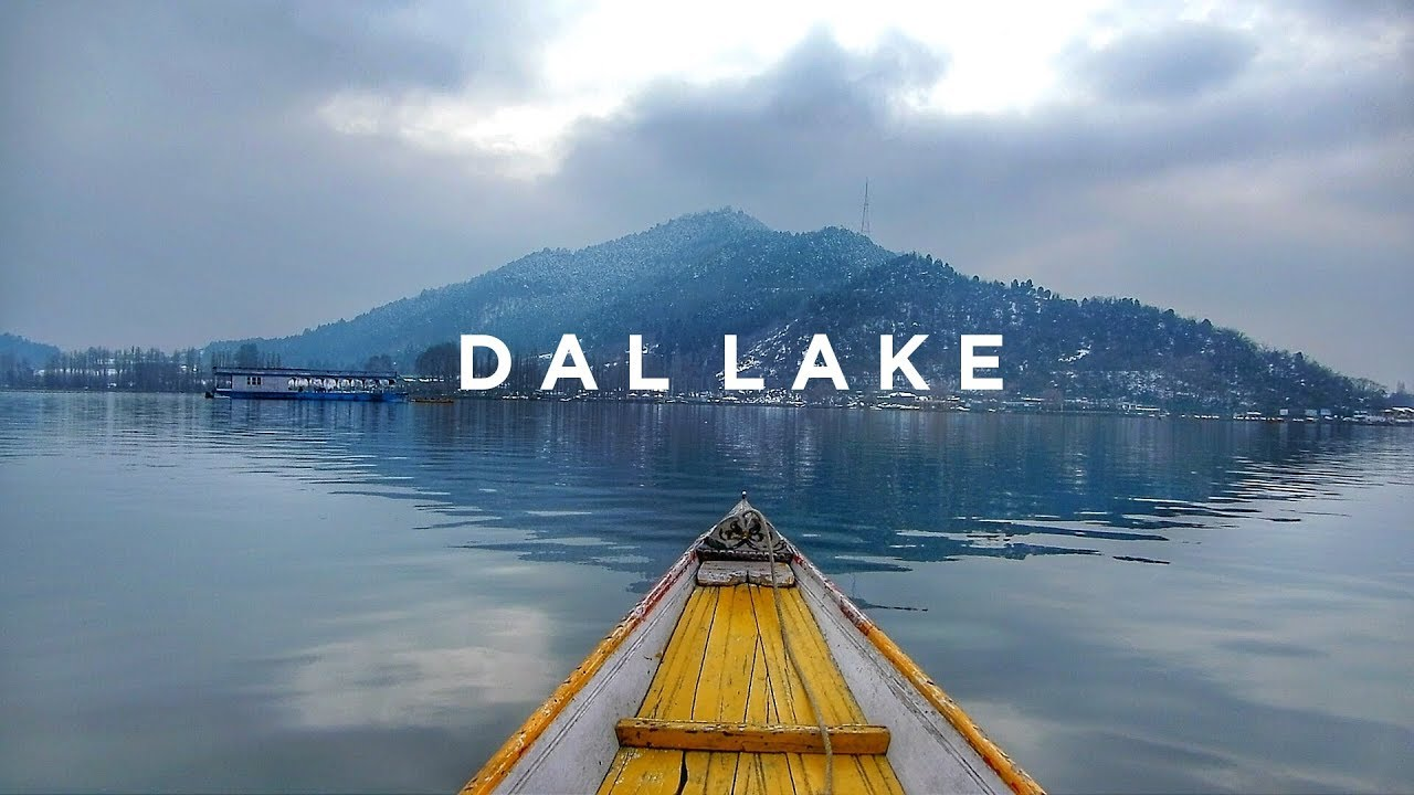 Dal Lake Shikara ride in Winter | Kashmir Travel vlog | Anagha Mirgal -  YouTube
