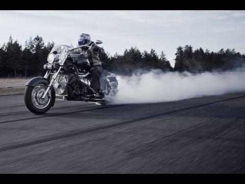 Testissä Boss Hoss -moottoripyörät (Teknavi 2013)