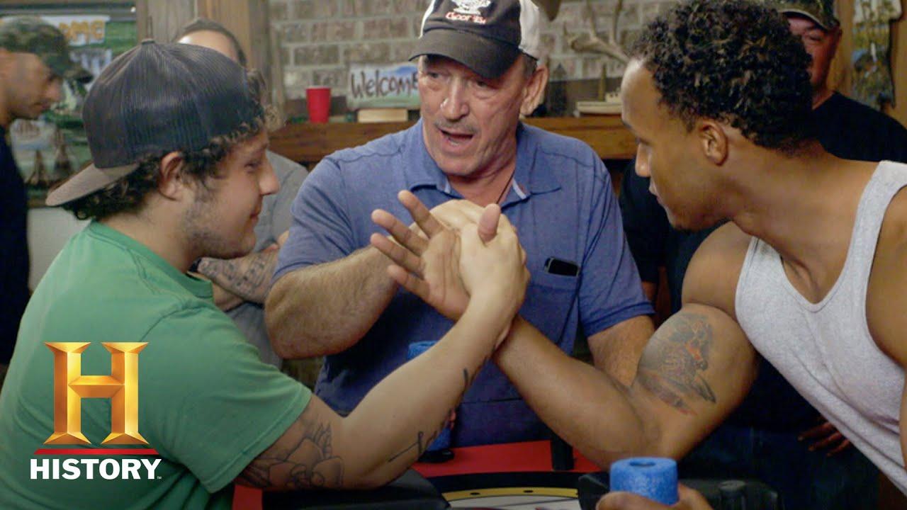 Swamp People Arm Wrestling Holden Landry Vs Dorien Edgar Season